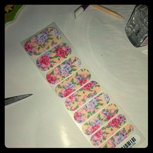 Jamey nail wraps summer cottage